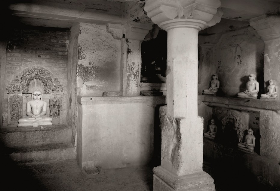 kenro-izu-india-sacred-within-dilwara-279