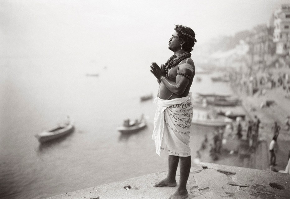 kenro-izu-india-sacred-within-varanashi-73