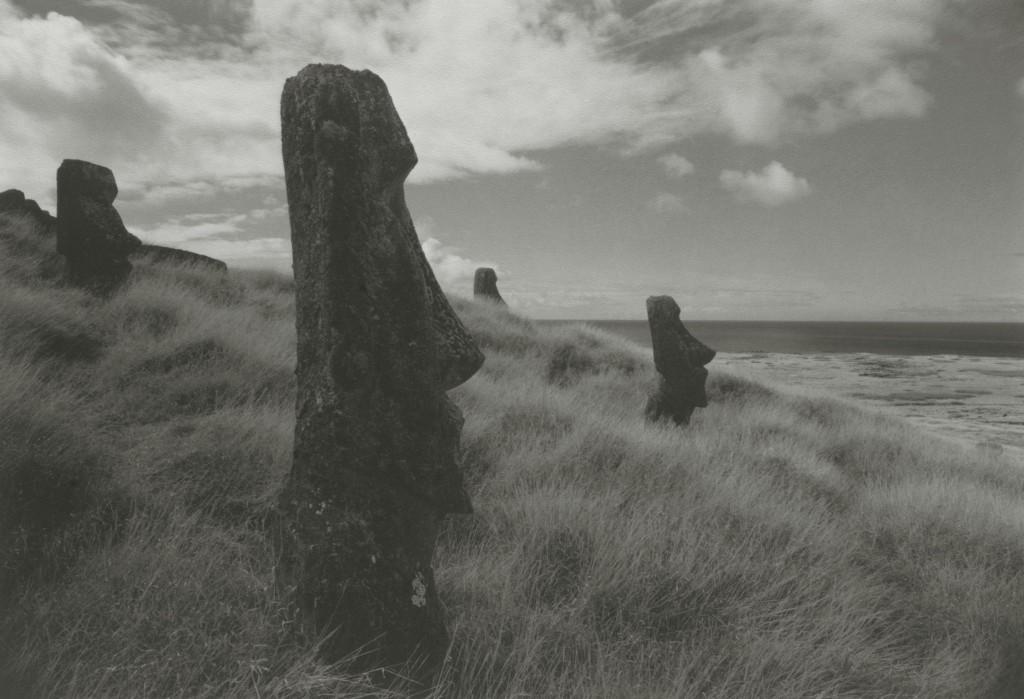 kenro-izu-sacred-places-moai-9